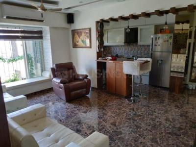Gallery Cover Image of 900 Sq.ft 2 BHK Apartment for rent in Mantri Serene, Goregaon East for 45000