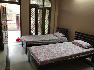 Bedroom Image of Girls PG in Ganesh Nagar