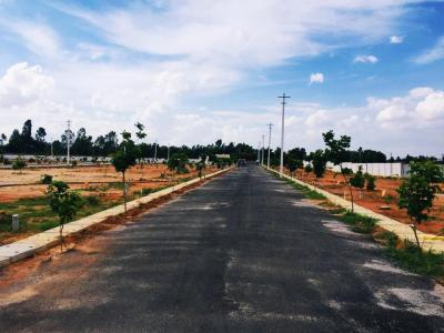 Gallery Cover Image of 1000 Sq.ft Residential Plot for buy in Kadugodi for 2400000