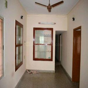 Gallery Cover Image of 1000 Sq.ft 2 BHK Independent Floor for rent in Rajajinagar for 18000