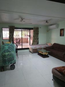 Gallery Cover Image of 1400 Sq.ft 2 BHK Apartment for rent in Kopar Khairane for 32500