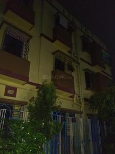 Gallery Cover Image of 650 Sq.ft 2 BHK Apartment for rent in Paschim Putiary for 6000