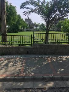 Gallery Cover Image of 4725 Sq.ft 4 BHK Independent Floor for buy in Eros Lakewood City, Surajkund for 22500000