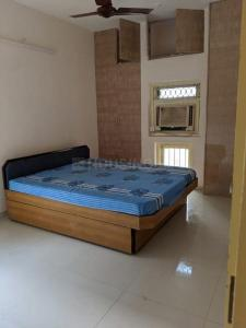 Gallery Cover Image of 1000 Sq.ft 2 BHK Apartment for rent in Gulbai Tekra for 25000