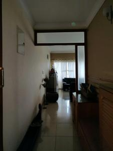 Gallery Cover Image of 2000 Sq.ft 3 BHK Apartment for rent in Mantri Mantri Sarovar, HSR Layout for 70000