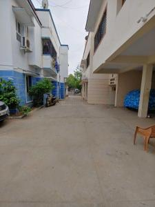 Gallery Cover Image of 1430 Sq.ft 3 BHK Apartment for rent in Velachery for 28000