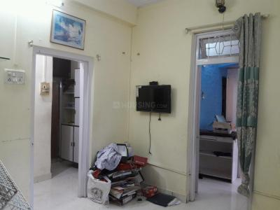 Gallery Cover Image of 650 Sq.ft 2 BHK Apartment for rent in Bandra East for 40000