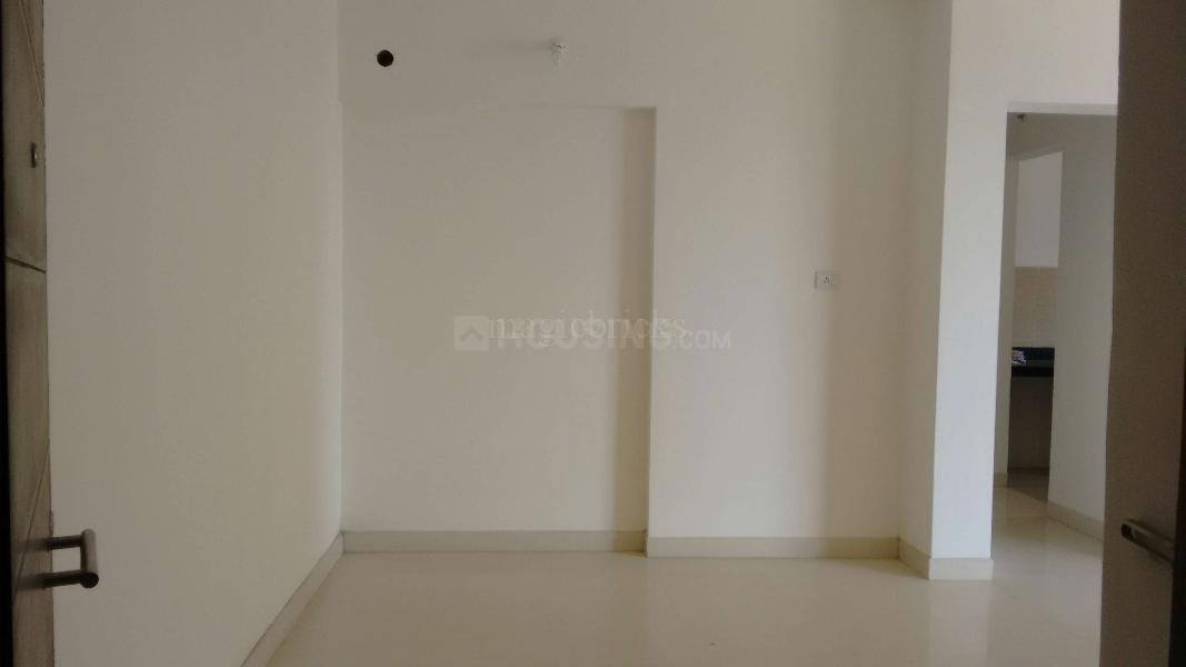 Living Room Image of 999 Sq.ft 2 BHK Apartment for buy in Mulund West for 17500000