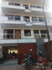 Gallery Cover Image of 1000 Sq.ft 2 BHK Apartment for buy in Sector 16 for 5200000
