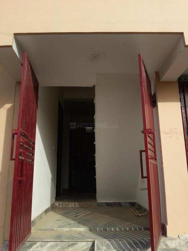 Main Entrance Image of 558 Sq.ft 2 BHK Independent House for buy in Lal Kuan for 2000000