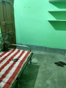 Gallery Cover Image of 300 Sq.ft 1 RK Independent Floor for rent in Sodepur for 2700