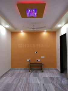 Gallery Cover Image of 690 Sq.ft 1 BHK Apartment for rent in Kandivali East for 27000
