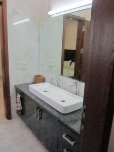 डीएलएफ़ फेज 2 में शिवांगी पीजी के बाथरूम की तस्वीर