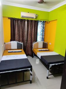 Bedroom Image of PG Accommodation Available At Bhandup in Powai
