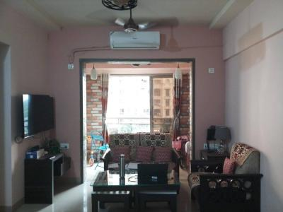 Gallery Cover Image of 600 Sq.ft 1 BHK Apartment for rent in Hiranandani Estate for 23000