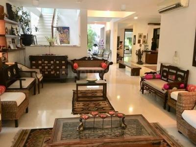 Gallery Cover Image of 4400 Sq.ft 5 BHK Independent House for buy in Chhattarpur for 40000000