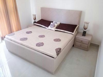 Gallery Cover Image of 1200 Sq.ft 3 BHK Apartment for rent in Kandivali East for 34000