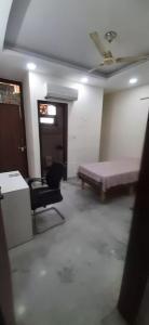 Bedroom Image of PG For Girls 👧 in Rajinder Nagar