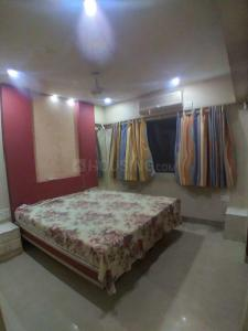 Gallery Cover Image of 950 Sq.ft 3 BHK Apartment for rent in Lalani Velentine Apartments III, Goregaon East for 40000