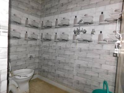 नोएडा एक्सटेंशन  में 3500000  खरीदें  के लिए 3500000 Sq.ft 2 BHK विला के बाथरूम  की तस्वीर