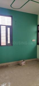 Gallery Cover Image of 900 Sq.ft 3 BHK Independent Floor for rent in Dwarka Mor for 16000