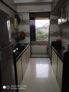 Gallery Cover Image of 580 Sq.ft 1 BHK Apartment for buy in Borivali West for 10500000