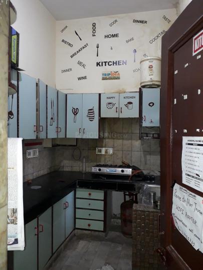 होमेस्टेल पीजी इन सेक्टर 11 के किचन की तस्वीर