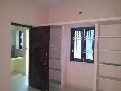 Gallery Cover Image of 350 Sq.ft 1 RK Apartment for rent in Nesapakkam for 5000