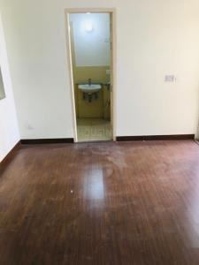 Gallery Cover Image of 950 Sq.ft 2 BHK Independent Floor for rent in Jaypee Kosmos, Sector 134 for 9000