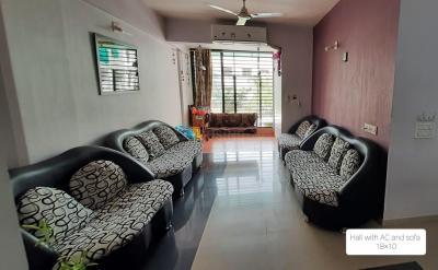 Gallery Cover Image of 1215 Sq.ft 2 BHK Apartment for buy in Devnandan Platina, Gota for 4500000