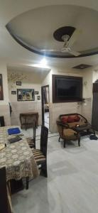 Gallery Cover Image of 2700 Sq.ft 3 BHK Independent Floor for rent in Sector 52 for 42000