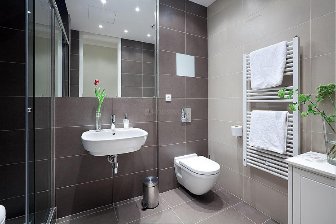 Common Bathroom Image of 1600 Sq.ft 3 BHK Apartment for buy in Mazgaon for 60000000