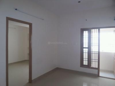 Gallery Cover Image of 758 Sq.ft 2 BHK Apartment for rent in Kolapakkam - Porur for 18000
