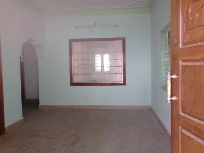 Gallery Cover Image of 500 Sq.ft 1 BHK Independent House for rent in Sanjaynagar for 16000