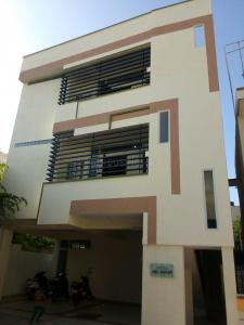 Gallery Cover Image of 1200 Sq.ft 2 BHK Independent Floor for rent in Kumaraswamy Layout for 18500
