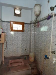 Bathroom Image of Pg/mess For Men In Kudghat Kolkata- 700041 in Paschim Putiary
