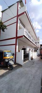 Gallery Cover Image of 100 Sq.ft 3 BHK Independent House for buy in Khurbura for 5600000