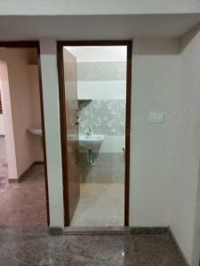 Gallery Cover Image of 1200 Sq.ft 2 BHK Apartment for rent in Hosur for 10000