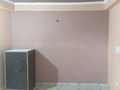 Gallery Cover Image of 350 Sq.ft 1 RK Apartment for rent in RK Floors - XII, Razapur Khurd for 5000