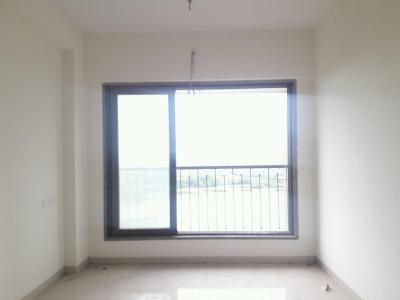 Gallery Cover Image of 700 Sq.ft 1 BHK Apartment for rent in Malad West for 24000