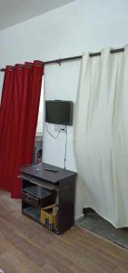 Gallery Cover Image of 450 Sq.ft 1 RK Apartment for rent in Noida Authority Ews Flats, Sector 99 for 8500