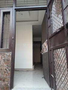 Gallery Cover Image of 550 Sq.ft 2 BHK Independent House for buy in Dwarka Mor for 2800000