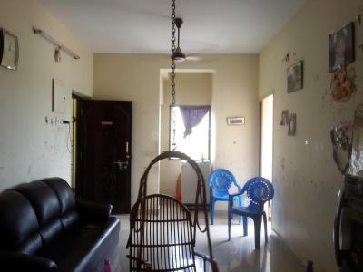 Gallery Cover Image of 800 Sq.ft 2 BHK Apartment for rent in Nanmangalam for 8500