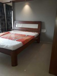 Gallery Cover Image of 900 Sq.ft 2 BHK Apartment for rent in Kurla West for 49500