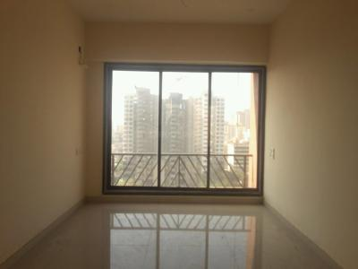 Gallery Cover Image of 800 Sq.ft 2 BHK Apartment for buy in Malad West for 10500000
