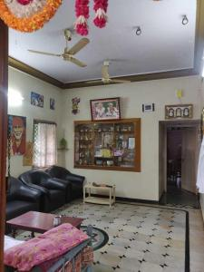 Gallery Cover Image of 1800 Sq.ft 2 BHK Independent House for buy in Vikas Nagar for 12000000