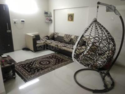 Gallery Cover Image of 1100 Sq.ft 2 BHK Apartment for rent in Hadapsar for 25000