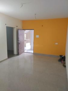 Gallery Cover Image of 850 Sq.ft 2 BHK Apartment for rent in Varad Laxmi Plaza, Warje for 15000