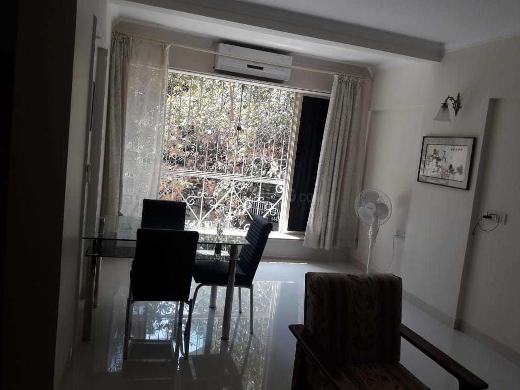 Living Room Image of 1050 Sq.ft 2 BHK Apartment for rent in Bandra West for 100000