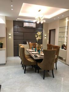 Gallery Cover Image of 1990 Sq.ft 3 BHK Independent Floor for buy in Sector 85 for 7090000